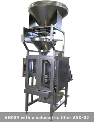 Vertical form fill seal machine with double head volumetric filler